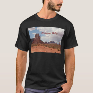 Monument Valley, Mitten, Utah, USA 3 (caption) T-Shirt