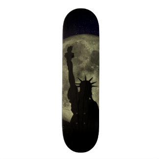 Moon and Lady Liberty 18.1 Cm Old School Skateboard Deck