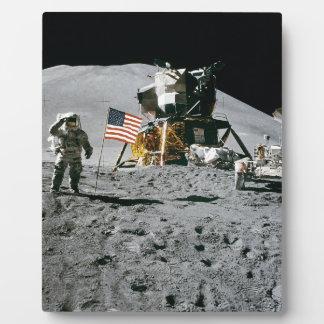 moon landing apollo 15 lunar module nasa 1971 plaque
