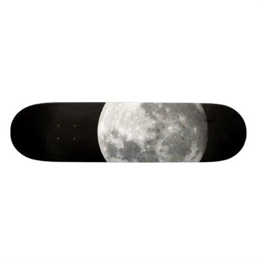 Moon Skateboard
