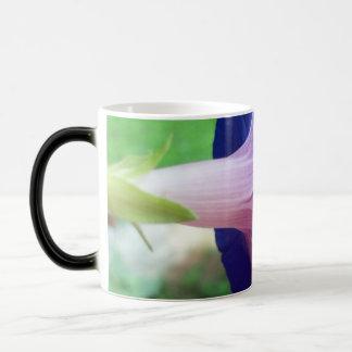 Morning glory magic mug