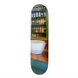 Mortar and Pestle in Pharmacy 21.6 Cm Old School Skateboard Deck