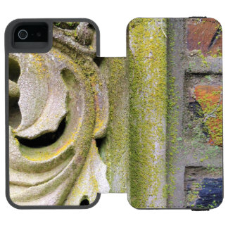 Mossy Stone Leaves Incipio Watson™ iPhone 5 Wallet Case