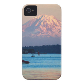 Mount Rainier iPhone 4 Cover
