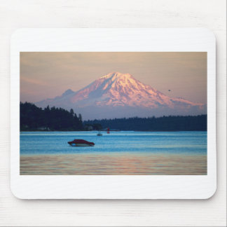 Mount Rainier Mouse Pad