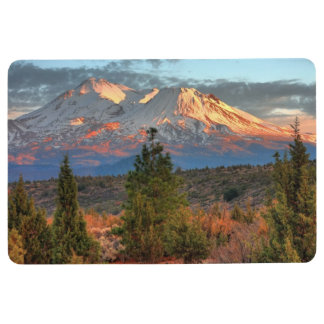 MOUNT SHASTA IN AFTERNOON SUN FLOOR MAT