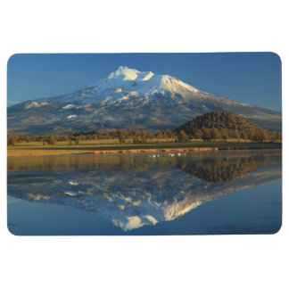 MOUNT SHASTA REFLECTED FLOOR MAT