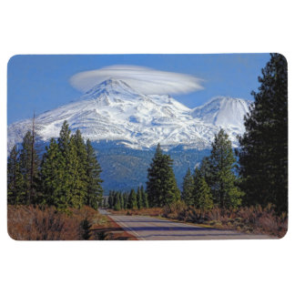 MOUNT SHASTA WITH LENTICULAR CLOUD FLOOR MAT