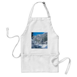 Mountain Snow Flocks Yosemite Par Standard Apron