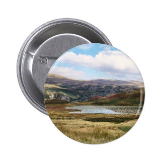 MOUNTAINS 6 CM ROUND BADGE