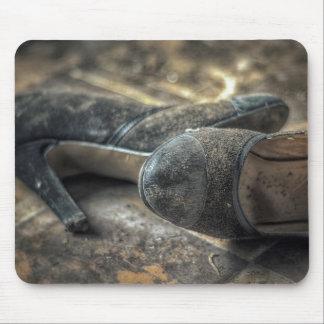 Mousepad lost shoes - Place draws