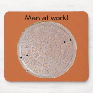 Mousepad - Man at work (manhole)