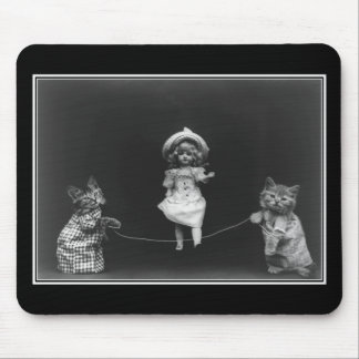 Mousepad Vintage Pussycats And Doll Skipping
