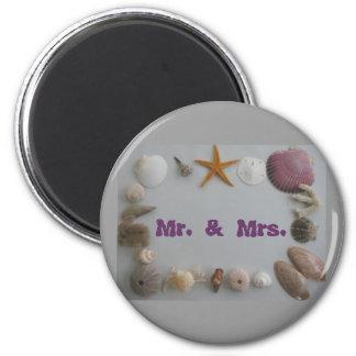 Mr. and Mrs. Honeymoon 6 Cm Round Magnet