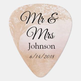 Mr & Mrs Guitar Pick Personalized Wedding Souvenie