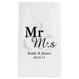 Mr&Mrs Simple Elegant Typography Wedding Small Gift Bag