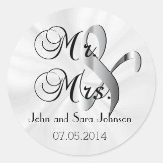 Mr & Mrs White Wedding   Personalize Round Sticker