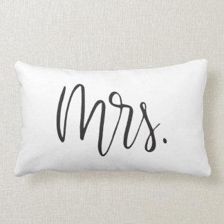 Mrs. | Pillow
