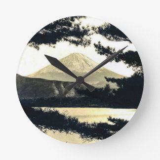 Mt. Fuji Through the Pines Vintage 富士山  Japanese Round Clock