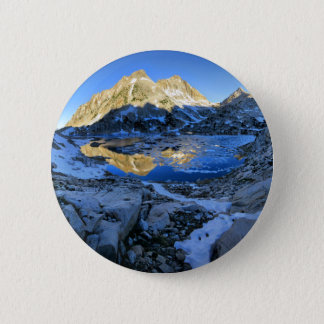 Mt Izaak Walton Over Bighorn Lake Sunrise - Sierra 6 Cm Round Badge