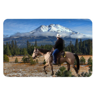 MT SHASTA WITH HORSE AND RIDER MAGNET