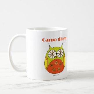 Mug smiling owl Carpe diem Yolo