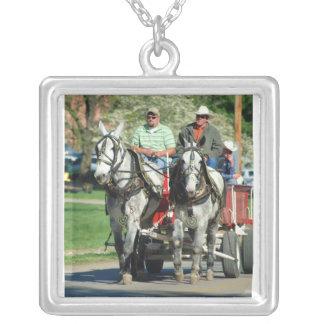 mule day parade pendant