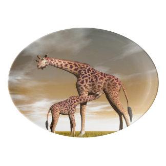 Mum and baby giraffe - 3D render Porcelain Serving Platter
