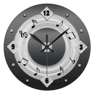 MUSIC NOTES ROUND CLOCK - Silver Tones