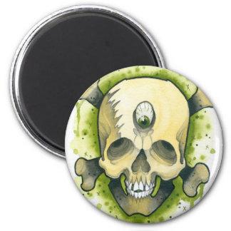 mutant skull 6 cm round magnet