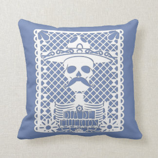 Muy querido DOD Throw Pillow