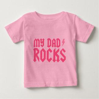 My dad rocks {pink} tee shirts