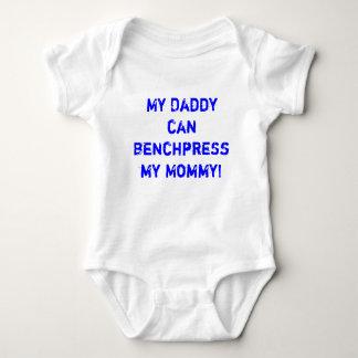 My daddy can bench press my mommy tshirt