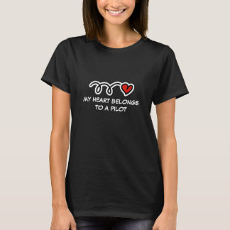 My heart belongs to a pilot | Women's t shirt