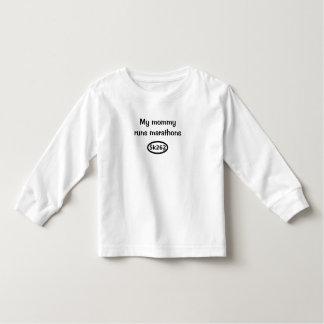 My mommy runs marathons toddler T-Shirt