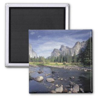 NA, USA, California, Yosemite NP, Valley view Magnet