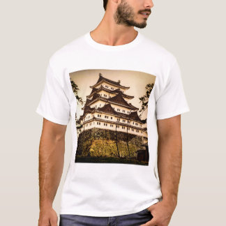 Nagoya Castle in Ancient Japan Vintage 名古屋城 T-Shirt