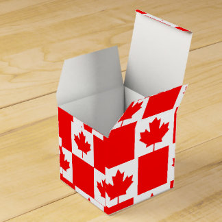 National Flag of Canada, maple leaf, high detailed Favour Box