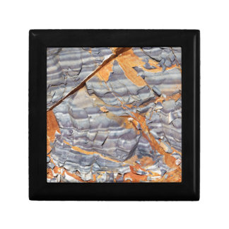 Natural layers of agate in a sandstone gift box