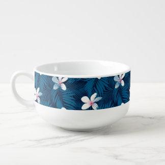 Navy palm leaves with frangipani soup mug