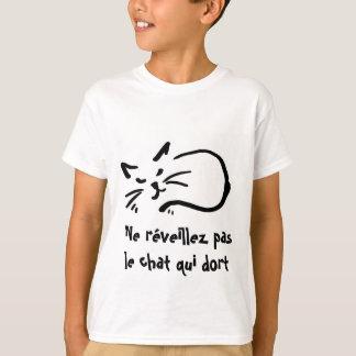 ne réveillez pas le chat qui dort T-Shirt
