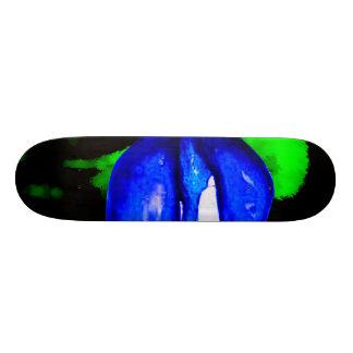 neon blue lips  & green spray paint for skateboar skateboard deck