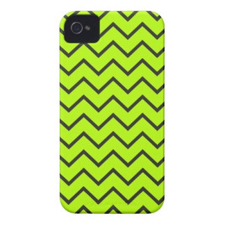 Neon Yellow Zigzag iPhone 4/4S Case