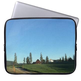 Neoprene 15 Inch Laptop Sleeve (Farm Scene)