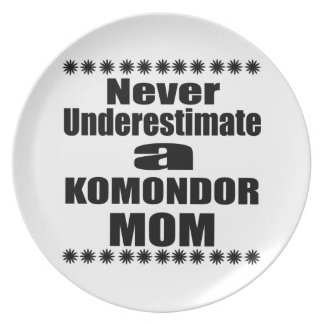 Never Underestimate KOMONDOR Mom Plate
