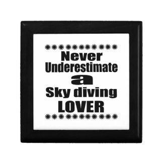 Never Underestimate Sky diving Lover Gift Box