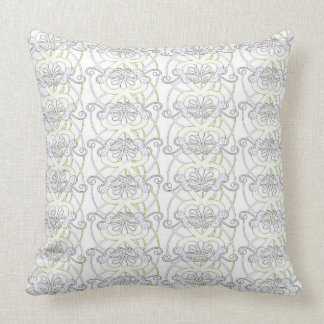 NEW Vintage Style Heart Pattern Throw Pillow