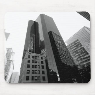New York building/black and white Mouse Pad