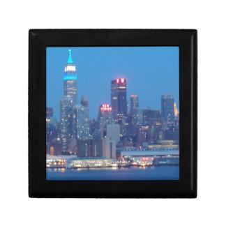 new york city night small square gift box