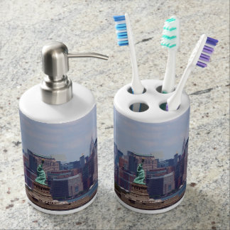 New York City Scape with Statue of Liberty Bathroom Sets